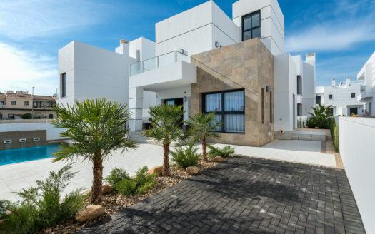 Köpa hus i Spanien. Villa Jade. SolEuropa, svensk fastighetsmäklare i Spanien.