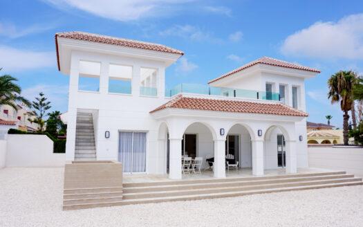 Köpa hus i Spanien. Villa Olivia. SolEuropa, svensk fastighetsmäklare i Spanien.