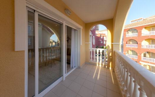 God plass på privat balkong